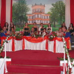Königshaus mit Ehrendamen